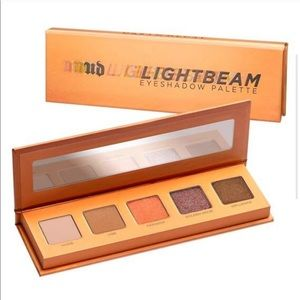 Urban Decay | Lightbeam Eyeshadow Palate